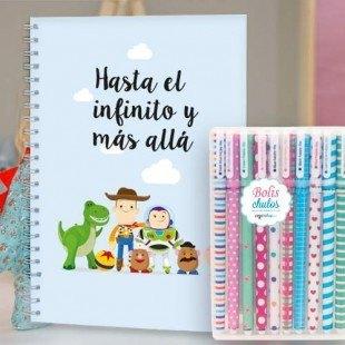 """Paquete de cuaderno tapa dura """"Hasta el infinito"""" con 10 bolis de colores"""